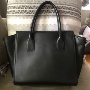 kate spade Bags - Kate Spade 100% leather bow purse